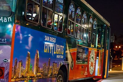 Old Town Trolley's Holiday Lights and Sights Tour